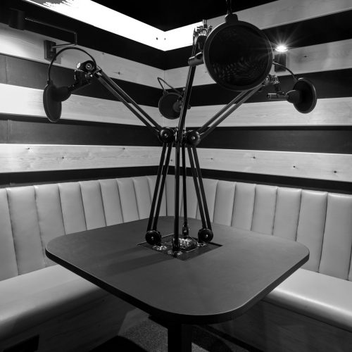 soho-radio-studios_podcast-recording-studio-01-microphones-black-and-white