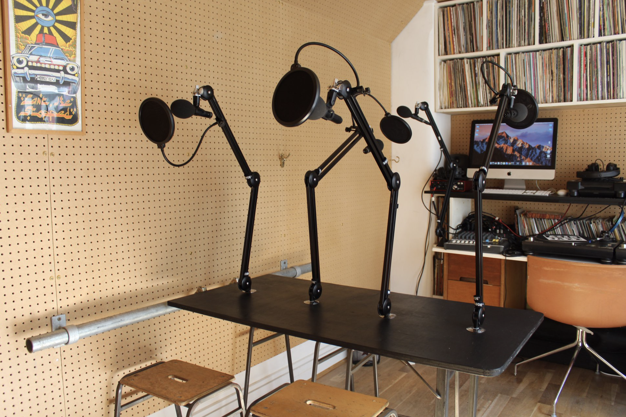 soho-radio-studios_podcast-recording-studio-06_studio-equipment